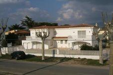 Villa en Empuriabrava a 300 m de la playa