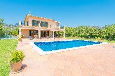 Villa en Binissalem para 8 personas con 4 habitaciones