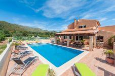 Villa con piscina en Capdepera