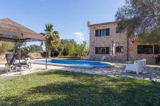 Villa con piscina en Costitx