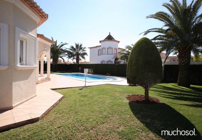 Villa con amplio jardín en Els Poblets - Ref. 76618-16
