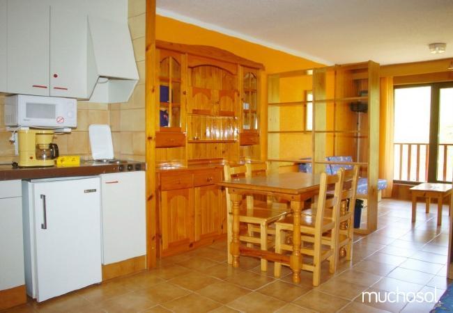 Apartamentos a 50 metros de la estación de Grandvalira - Ref. 63452-5