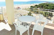 Apartamento de 2 habitaciones a 25 m de la playa