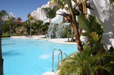Apartamento con piscina en Estepona