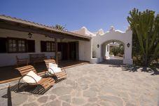 Casa rural de 4 habitaciones a 7 km de la playa