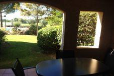 Apartamento en primera línea de campo de golf de Mallemort