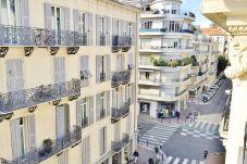 Estudio en Niza