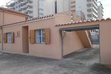 Casa con piscina en la zona de Playa Norte