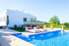 Casa en Sant Josep de Sa Talaia / San Jose a 1000 m de la playa