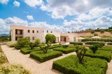 Villa en Sant Llorenç Des Cardassar para 8 personas con 4 habitaciones
