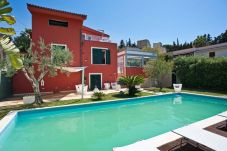 Villa con piscina en Valderice